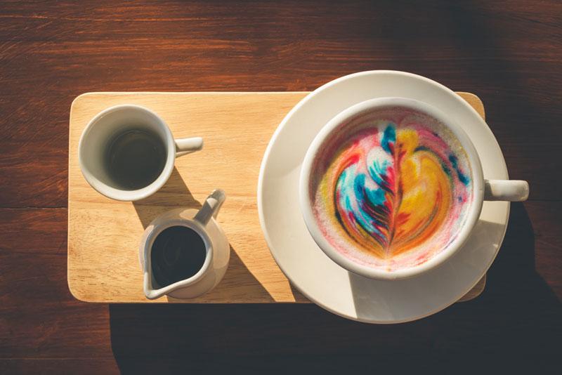 Il cappuccino rainbow